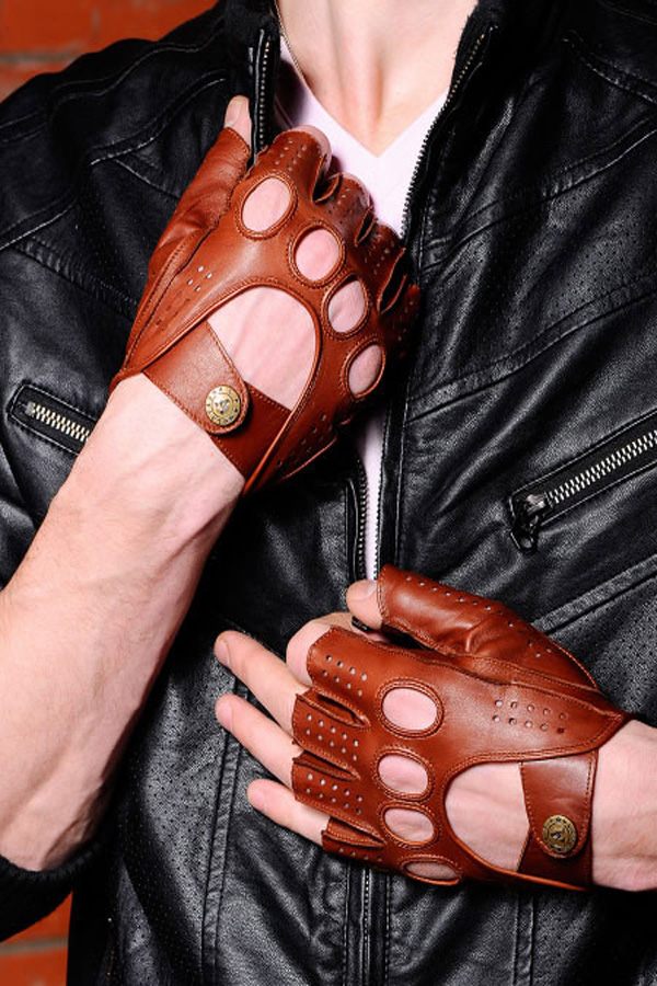 Классические минетки на руки